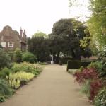Kew Palace ao fundo.